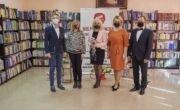 Klimatyczny Dzień Kobiet w daleszyckiej bibliotece